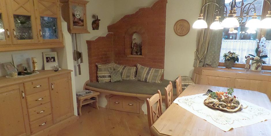 Rustikales Esszimmer mit Wohnbereich - Wohnbereich
