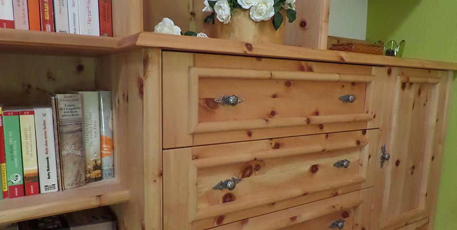 Schlafzimmer in Zirbenholz - Beschlagdetails