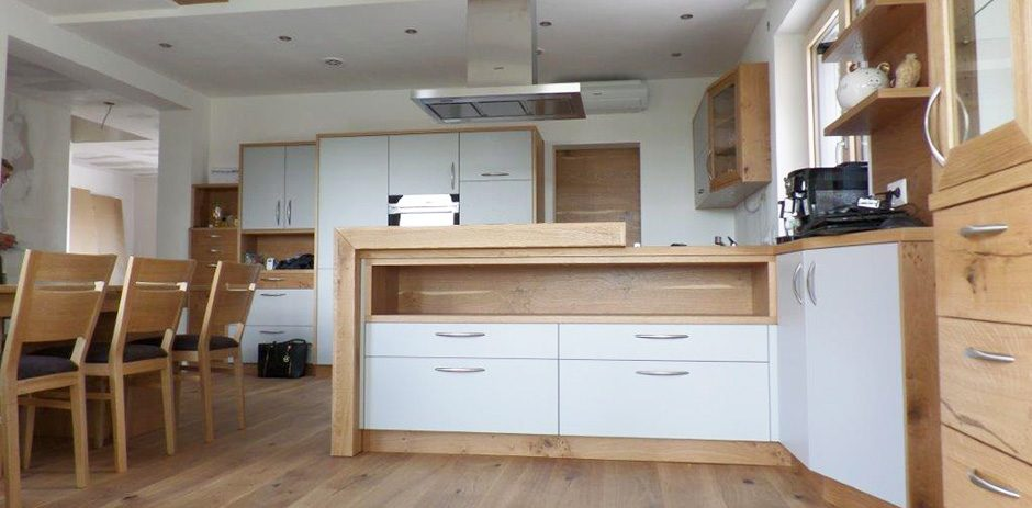 Esszimmer-Küche-Frontansicht