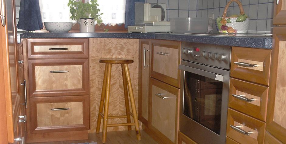 Küche aus Birnen und Birkenholz - Unterschränke