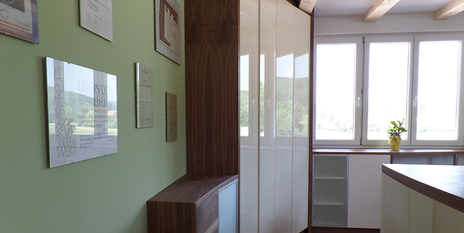 Modernes Büro - Wandverbau