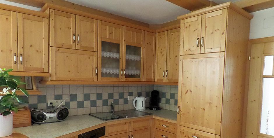 Rustikale-Küche-Fichte-gebürstet-geölt