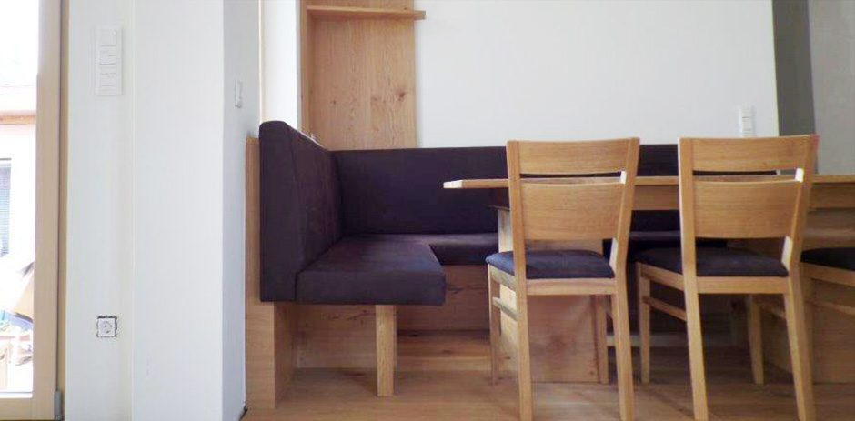 Sitzgarnitur-Seite