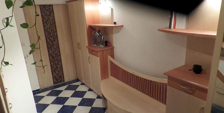Vorzimmer-Bank