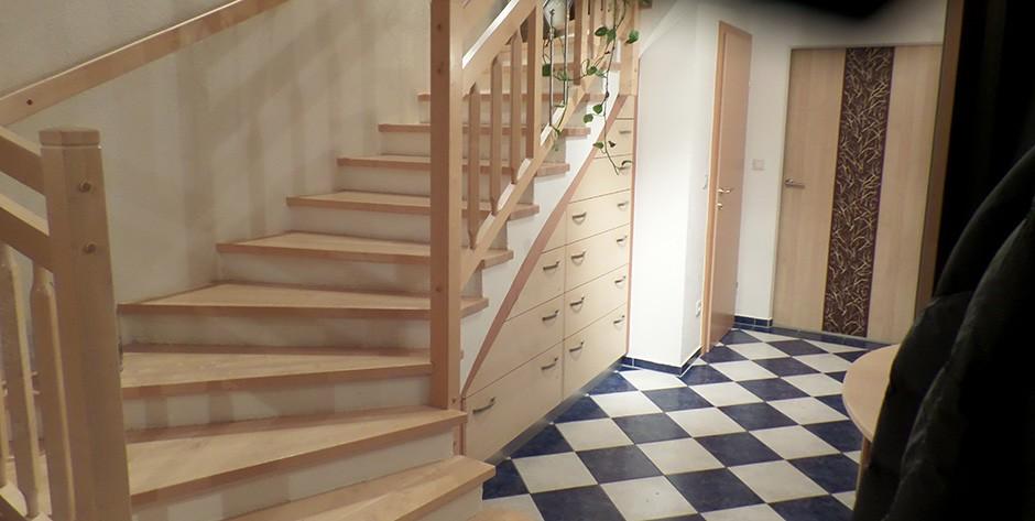 Vorzimmer-Laden in der Treppe